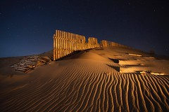 TEXTURES AT NIGHT (Der_Golem_) Tags: playa luna verano cadiz nocturna vacaciones tarifa 2016 linterna largaexposicion contaminacionluminica luzcalida