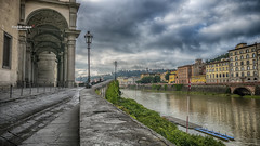 Epouse-moi ! (Tra Te E Me (TTEM)) Tags: hdr lumixfz1000 photoshop cameraraw italie florence firenze arno rivire river architecture ciel nuages clouds sky rives reflets reflection married