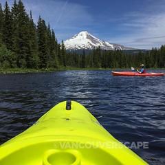 Trillium Lake kayak tour (Vancouverscape.com) Tags: travel usa oregon mthood 2016 arianecolenbrander vancouverscape