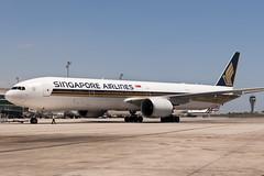 CFR2315 SQ B777-312(ER) 9V-SWB (Carlos F1) Tags: nikon d300 aircraft airplane aeroplane aeronave avin transporte transport spotter spotting bcn lebl machine 9vswb singapore airlines sq boeing b777312er b777312 b777300er b777300 b773 b777 777 773 777300 777312 777312er extended range elpratdellobregat barcelona spain