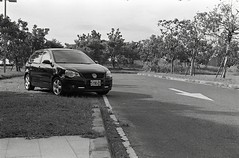 img023 (Yu,Tsai) Tags: film car 50mm iso400 elmar leitz elmar5cmf35 volkswagenpolo9n3 gtx970 rolleiretro400s leicaiiifreddialselftimer