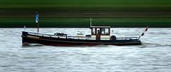 De Wilhelmina RP17 (Morthole) Tags: slitscan ship boat schip boot barge binnenvaart schiff rheinschiff sleepboot tugboat tug schlepper remorqueur delfsail