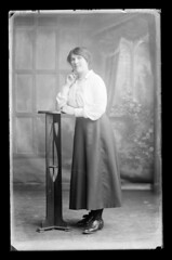 D1422_B76545_M_06 (Public Record Office of Northern Ireland) Tags: family woman standing women fulllength cooper genealogy northernireland familyportrait ancestry ulster countydonegal lifford strabane countytyrone proni hfcooper