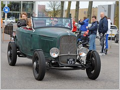 Ford Model 18 / 1932 (Ruud Onos) Tags: ford 1932 model 18 classiccars snc classicamericancars saturdaynightcruise thecruisebrothers ruudonos fordmodel18 classicuscars saturdaynightcruisedenhaag thecruisebrothersdenhaag sncdenhaag fordmodel181932 ar5331 haagscheamerikanenclub