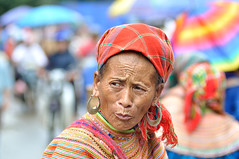 Colorful portrait (ruimsmcarvalho) Tags: market vietnam ha sapa bac