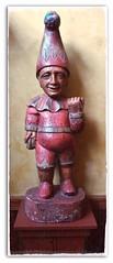 Send in the clowns (MissyPenny) Tags: pink sculpture statue purple pennsylvania clown buckscounty lahaska peddlersvillage handcarved kodakz990 pdlaich missypenny