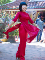 HHt-135 (panerai87) Tags: park red vietnam tet saigon traditionaldress aodai 2013 omdem5 lumixx35100mm28