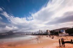 IPANEMA (Rober1000x) Tags: longexposure brazil beach brasil riodejaneiro playa copacabana nd praiadeipanema ipanema leblon doisirmãos morrodoisirmãos praiadoleblon 2013