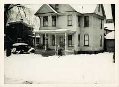A front yard on a snowy day (sctatepdx) Tags: winter snow vintagecar snapshot oldhouse vernacular frontyard frontporch brrrrr snowyday baywindow oldsnapshot vintagesnapshot