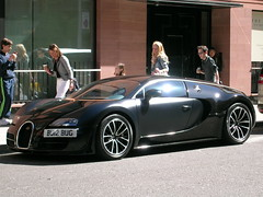 At rest. (ChristopherW45) Tags: london noir bugatti sang supercar veyron supersport