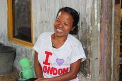 She loves London. Avec le sourire! (GeckoZen) Tags: street portrait smile indonesia sourire sumbawa dompu