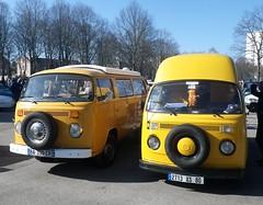 VW Combi jaunes par 2 (gueguette80 ... Définitivement non voyant) Tags: old mars cars vw volkswagen autos van combi amiens kombi 2014 anciennes françaises lahotoie