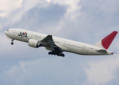 JA706J_777-246_CYVR_7736 (Mike Head - Jetwashphotos) Tags: canada bc britishcolumbia richmond boeing jl yvr 777 jal japanairlines westerncanada vancouverinternationalairport cyvr 777246er pacificregion