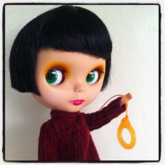 I gots a new pullring!!!!! (TuSabesBlythe) Tags: square doll lofi squareformat blythe goldie takara allgoldinone bl phryne iphoneography instagramapp uploaded:by=instagram