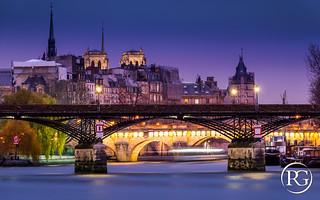 Le Pont des Arts et la Cité. PARIS