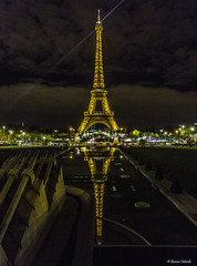 Eiffel Tower (Bernai Velarde-Light Seeker) Tags: paris france reflection night noche eiffeltower torreeiffel reflejo trocadero francia velarde bernai europeeuropa