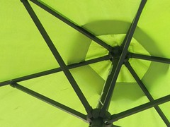 HTC 10 (digitaldwight) Tags: green umbrella patio htc10