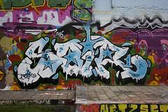 soir (wallsdontlie) Tags: graffiti cologne soir