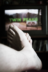 Rainy Sunday afternoon (glukorizon) Tags: 52weeksof2016 athome foot fromwhereiam livingroom luc selfie televisie television thuis twinpeaks voet woonkamer zelfportret