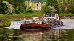 transport des dchets(Sambre-belgium) (Yasmine Hens) Tags: river europa flickr belgium sony ngc bateau pniche namur fleuve hens yasmine wallonie sambre iamflickr flickrunitedaward sonyrx10m3 hensyasmine