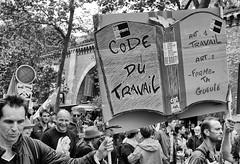DSCF5822 (sergedignazio) Tags: street paris france photography fuji photographie travail rue pancarte manif loi x100s