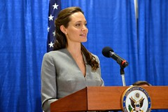 UNHCR Special Envoy Jolie Pitt Addresses the Audience at an Interfaith Iftar Reception to Mark World Refugee Day (U.S. Department of State) Tags: angelinajolie johnkerry unhcr iftar worldrefugeeday refugeeswelcome