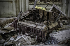 Chateau Congo (Marian Smeets) Tags: abandoned belgium belgie decay armchair chateau stoel fauteuil kasteel urbex 2016 verlaten vervallen chateaucongo nikond750 mariansmeets