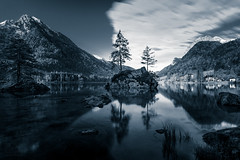 Long exposure of the Hintersee (xxremixx) Tags: longexposure trees white mountain lake black mountains tree monochrome germany bayern deutschland bavaria see berchtesgaden berge monochrom schwarz hintersee langzeitbelichtung obersee ramsau knigssee ndfilter weis nd3 nd1000