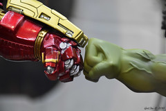 Fist Bump Bro! (GetChu) Tags: anime expo 2016 ax figurine toy display animation video game collection japan culture los angeles convention south hall avengers age ultron hulkbuster verse hulk marvel comic