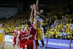 oldenburg EWE BASKETS vs BAMBERG GAME 2 foto by OlDigitalEye 2103 06 12 5097 (oldigitaleye) Tags: public basketball sport deutschland bamberg viewing gemany oldenburg pp niedersachsen lowersaxony bbl ewearena oldigitaleye ewebasketsoldenburg brosebasketsbamberg
