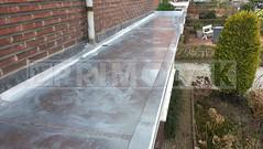 Dakdekker: Het 15 meter lange plat dak van deze erker voorzien van een nieuwe titaan zinken dak bekleding. Op maat geleverd en gemonteerd. De naden ingesmeerd, gesoldeerd en overtollige vloeistof verwijderd