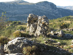 On the Pic de Courmettes, above Grasse (bakpacker) Tags: france rocks hiking trails geology alpesmaritimes maritimealps picdecourmettes louprivergorge