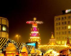 Weihnachtsmarkt Alex (floressas.desesseintes) Tags: berlin weihnachtsmarkt alexanderplatz radiant nachtaufnahme