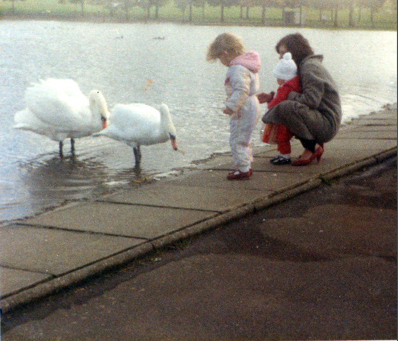 Jackie ,Susan, and Laura Graham Hogandfield Loch 1980s