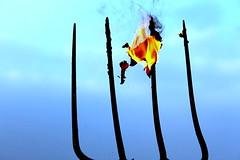Widy i ogie. (Forks and fire.) ( ) Tags: blue sky field fire village dragon farm country fork pole flame torch burn ember forks meteor ignis smok charmander ogie pomie charizard niebo wie bkit pochodnia widelec gospodarstwo widy ponie pon