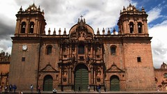 The Cathedral of Cusco, Perú (Blasbass) Tags: sky church clouds canon cathedral cloudy basilica cusco churches catedral iglesia perú powershot chapels cielo nubes temples nublado domes shrines chorch mosques skyclouds monaster sx150