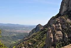 Montserrat, Catalonia, Spain (Tiphaine Rolland) Tags: nature spain nikon catalonia monastery montserrat 1855mm 1855 espagne monastre montagnes catalogne d3000 nikond3000
