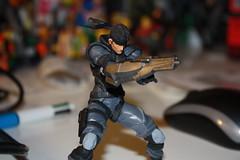 Revol Mini Solid Snake + Arm Cannon (Xomak) Tags: toys snake figure grayfox kaiyodo solidsnake metalgearsolid yamaguchikatsuhisa cyborgninja metalgearsolidthetwinsnakes frankjaeger revolmini
