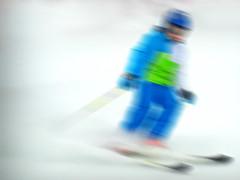 slalom (Rino Alessandrini) Tags: blue winter white snow blur verde green speed fun track skiing blu blurred down neve inverno bianco pista sci velocità mosso divertimento sfocato discesa