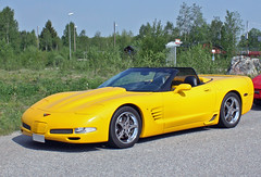 2000 Chevrolet Corvette (crusaderstgeorge) Tags: cars chevrolet 2000 sweden sverige corvette classiccars americancars yellowcars americanclassiccars 2000chevroletcorvette ockelbo