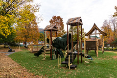 _DSC4812.jpg (bristolcorevt) Tags: playground bristol vermont outdoor swings structure treehouse bristolvt towngreen