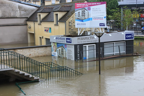 Escalier rue Saint-Liesne-Abreuvoir inondé
