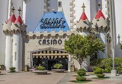 Las Vegas (Preston Ashton) Tags: vegas blue sky usa sunshine america hotel us lasvegas nevada sunny casino northamerica gamble prestonashton