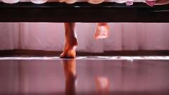 146/366: new (sunny) day (Andrea  Alonso) Tags: morning reflection feet maana me foot bed floor yo pies reflejo 365 cama 366