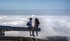 Los primeros amores... (Leo ) Tags: azul corua pareja amor banco 15 galicia cielo nubes niebla adolescentes novios can enamorados arteixo robado monticao