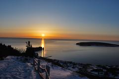 soleil sur le rocher per (guillaume.auverchain) Tags: mer canada de soleil hiver qubec neige rocher lever perce gaspsie ocan barrire per