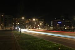 Lichtsporen ([Publicer Transport] Ricardo Diepgrond) Tags: station lighttrails autos avond effect centrum lelystad donker verkeer sluitertijd savonds lichtsporen