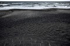 dp0q_160621_A (clavius_tma-1) Tags: ocean sea beach sand sigma wave kanagawa quattro   inamuragasaki dp0