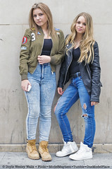 Parisiennes, Stopping to Pose on the Street (Doyle Wesley Walls) Tags: girls portrait sexy beautiful face donna mujer women pretty faces retrato feminine femme cara bonito longhair charm portrt jeans lindo blond photograph blonde bonita rubia denim mooi females lovely bb portret guapa britney hermosa ritratto sb jackets beau loira shanna fminin bello faccia blondin seductor schn  vacker kobieta parisiennes blondynka smuk kaunis frumos sduisant pikny fallegur blondine  sexig   0019 skjnn  sexet seksiks  seksowny    blondnka doylewesleywalls filleena