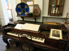 IMG_2348 old style piano and other music instruments (jgagnon63@yahoo.com) Tags: music museum piano leisure uppermichigan escanaba deltacountyhistoricalmuseum deltacountymi deltacountyhistoricalsociety